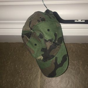 🐉Forever 21 Camo Hat, Never worn, One Size/ADJ🐉